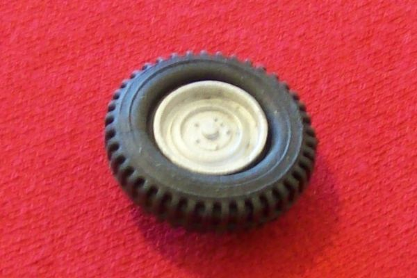 Dinky Toys 612 Jeep Hub and tyre (Each)